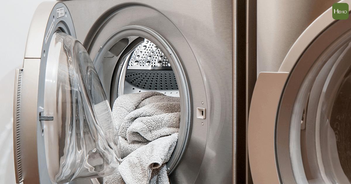過敏原現形!洗衣機比馬桶髒530倍!常保洗衣機清潔5撇步~