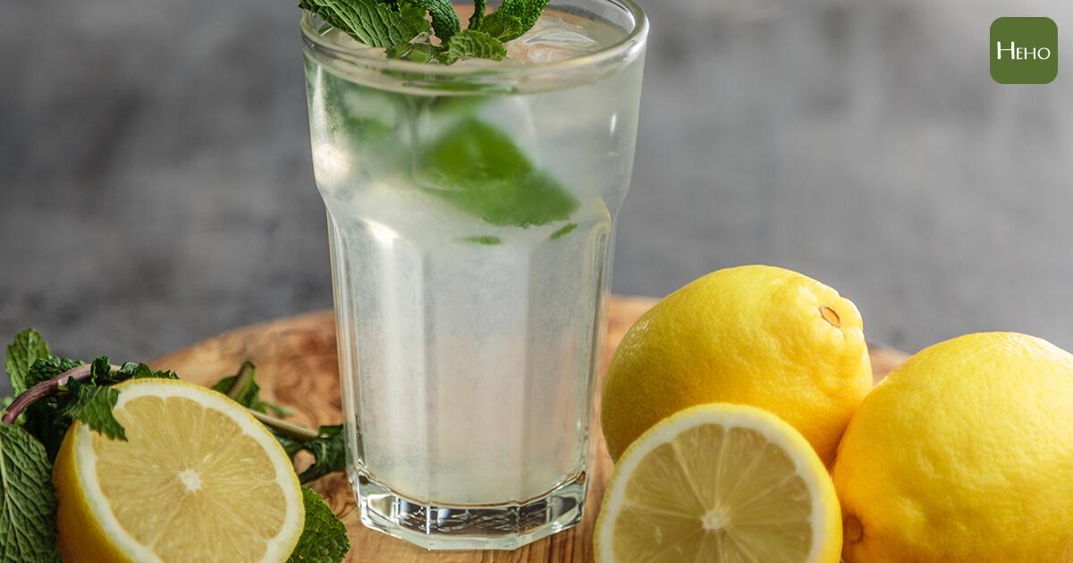 檸檬水真的有那麼神奇嗎?幫你解開它對健康的7大疑惑