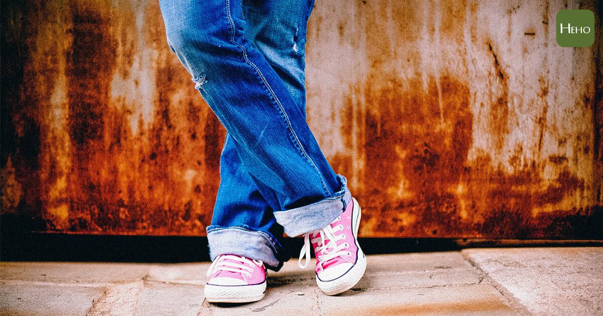 你站對了嗎?錯誤站姿讓你的脊椎面臨3大風險