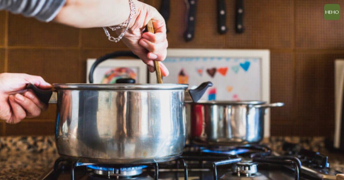 常見6個做菜習慣 大大增加罹癌機率