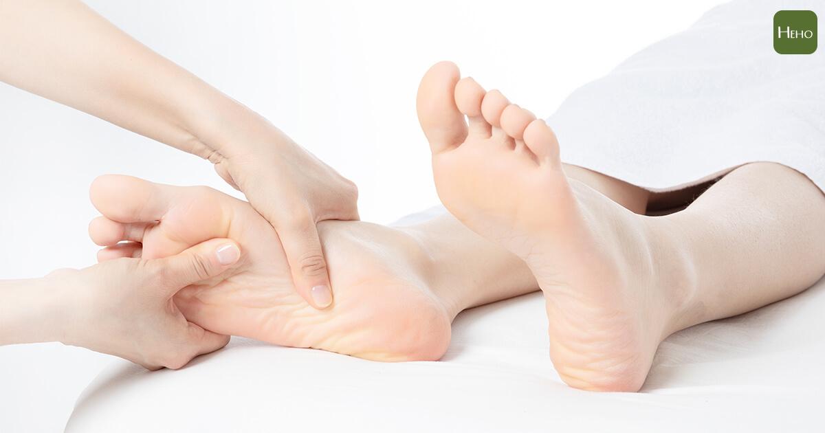 腳底按摩超級夯,同時滿足社交、放鬆、健康促進等需求!