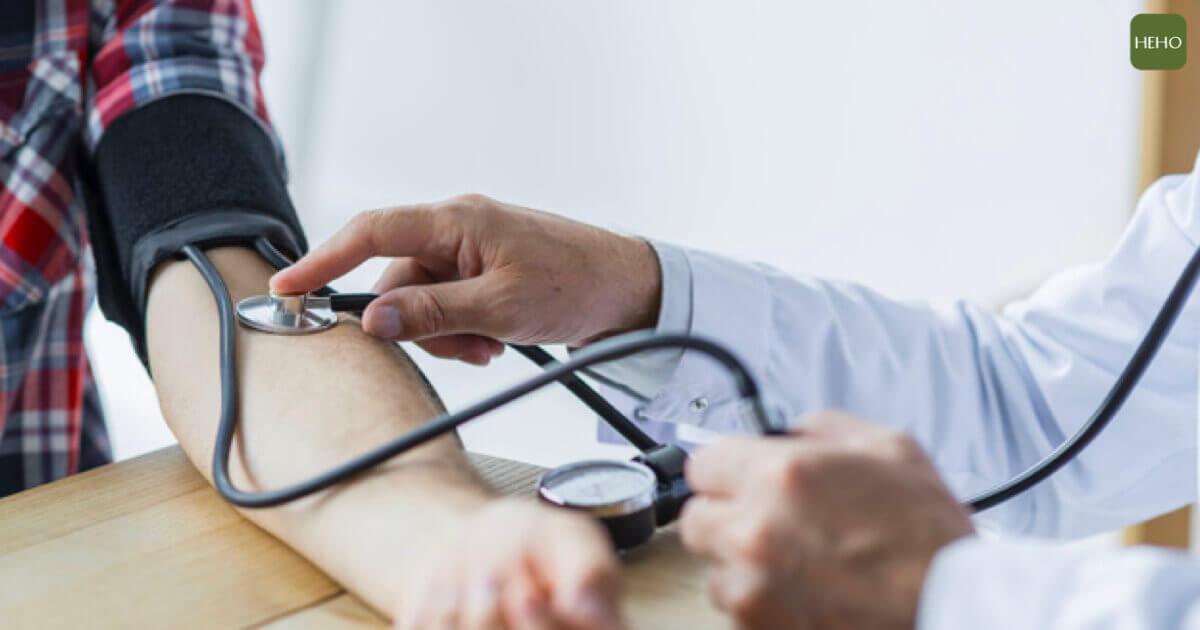 8 成人不知道自己有高血壓!別忽略這 7 個症狀