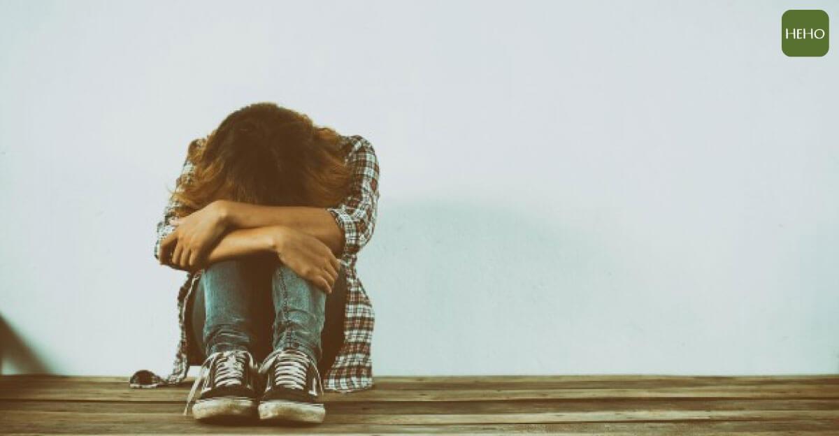 憂鬱發作怎麼辦?心理諮商師推薦做這 7 件事緩解憂鬱情緒!
