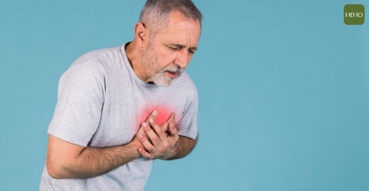 心臟病發 10 前兆別輕忽!這 4 種人最容易猝死