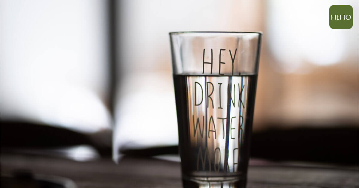 想要皮膚水潤透亮嗎?每天 7 杯水輕鬆喝出好膚質