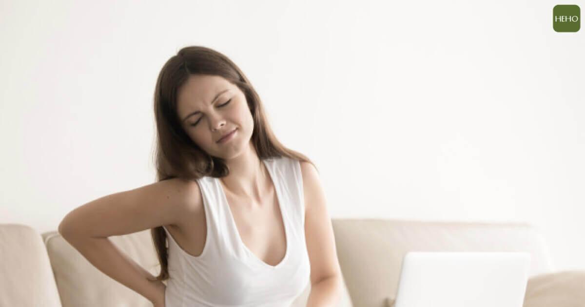 洗澡時多做 2 動作!有效舒緩腰痠背痛