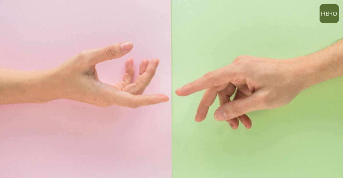 4 動作就能提升腦力!手指健腦操簡單又方便