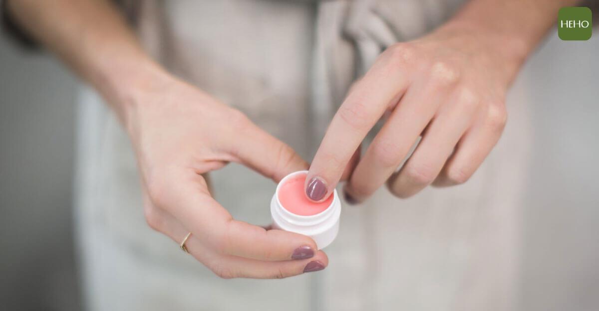 刀、燙傷都能用的居家良藥!4 步驟自製天然紫雲膏