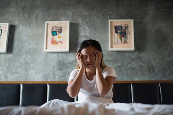 睡不著真的很傷皮膚!青春痘、皮蛇都是失眠引起