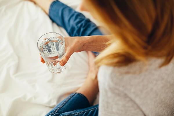 喝牛奶、鮮奶茶會腎結石?營養師破解:缺鈣才會