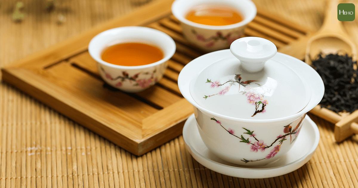牛樟芝、南非國寶茶⋯ 醫師教你抗癌營養品這樣吃
