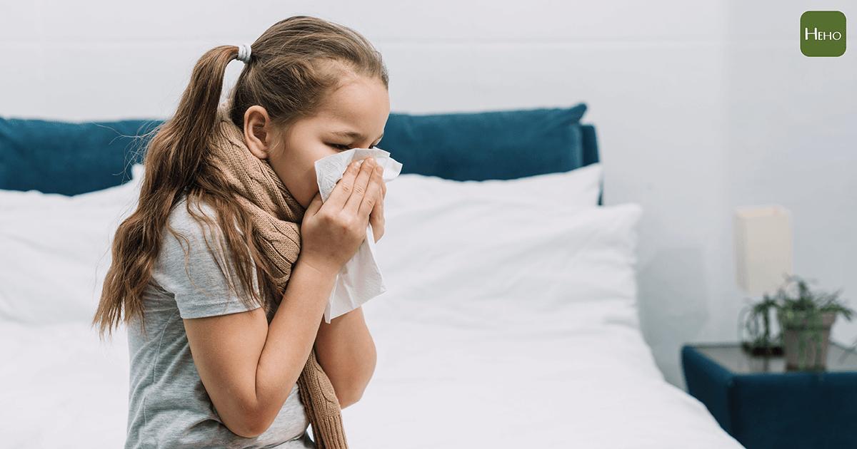 鼻涕倒流讓喉嚨好癢、咳嗽咳不停,可以用這4招來改善! | Heho健康