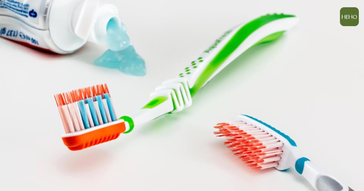 牙齒怎麼刷都不乾淨?一張圖告訴你牙刷怎麼挑
