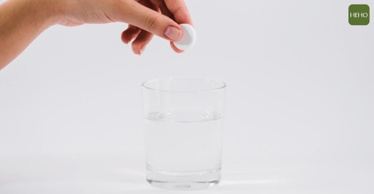 吃益生菌可以配溫開水嗎?服用益生菌的正確 4 方法告訴你!