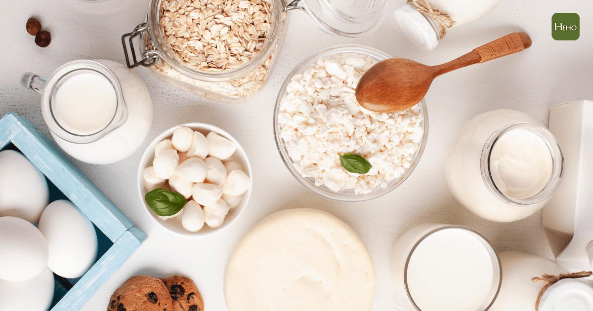 吃太鹹、太多肉可能讓骨質流失更快!補鈣 6 招小技巧讓鈣質補到骨頭中