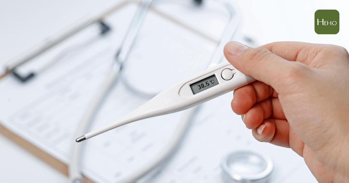 防疫生活對策 / 37℃是發燒嗎?耳溫、額溫有什麼不同?一次看懂量體溫的3大知識!