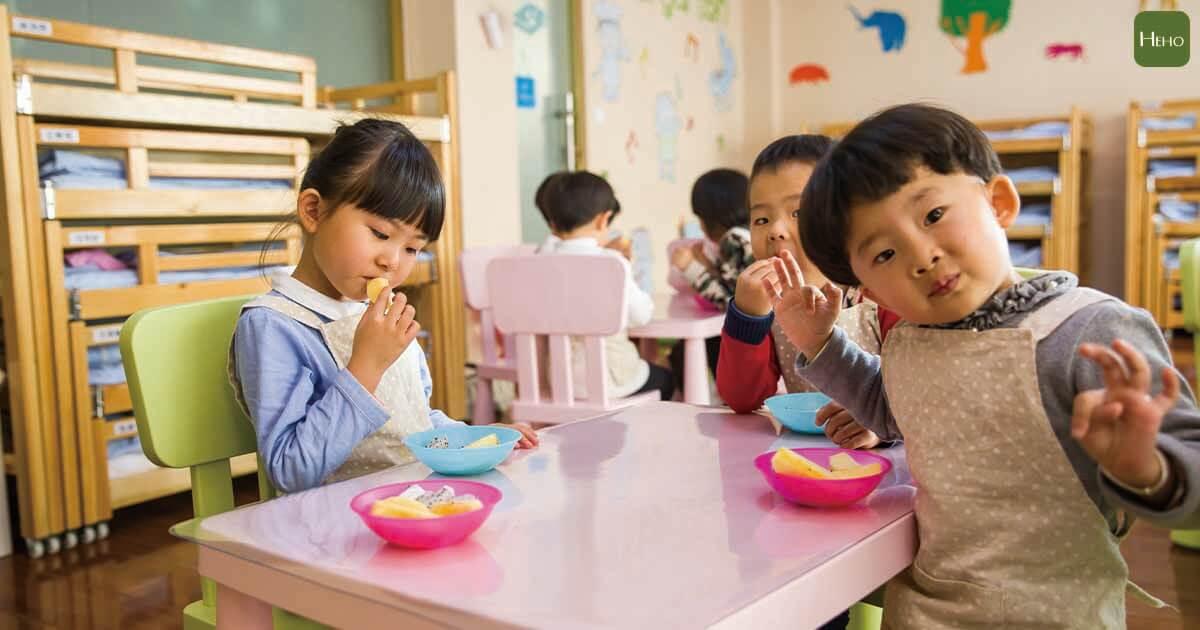 小孩 幼兒園 用餐