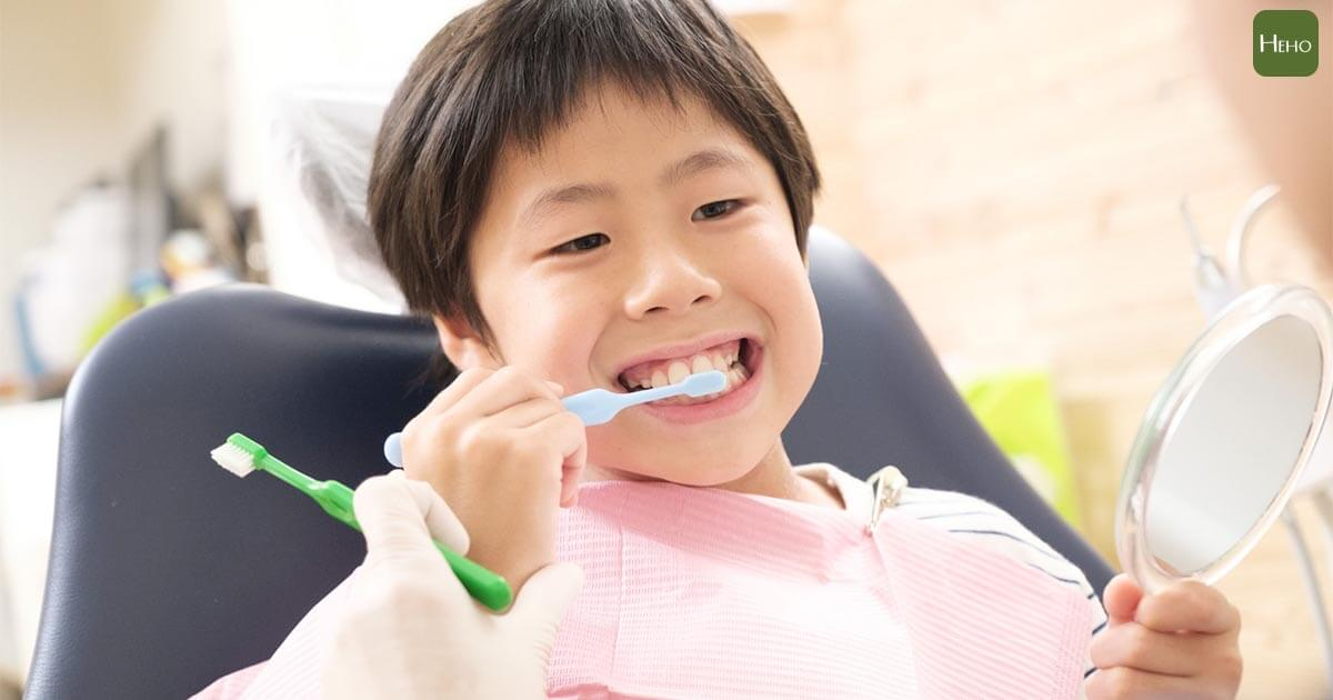 刷完牙嘴巴還是很臭?兒科醫師指出5種可能原因