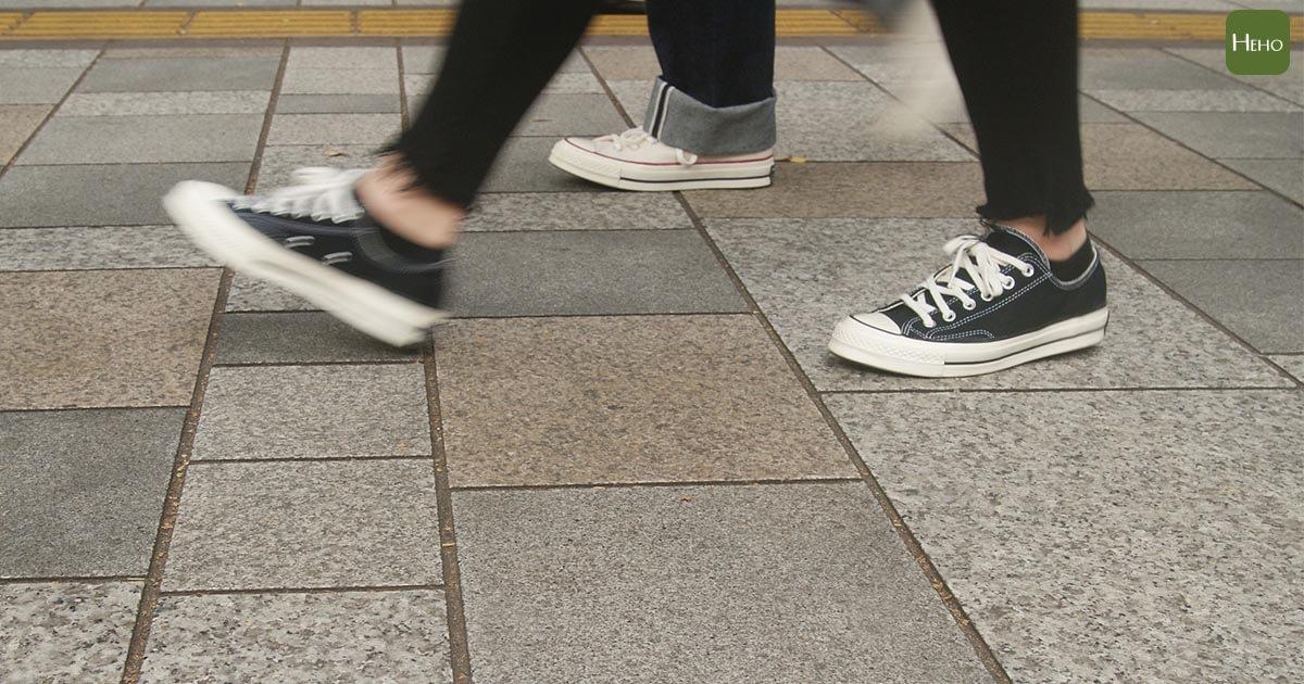 D614G變種新冠病毒可在鞋底存活3天?專家教進門前6步驟來防堵
