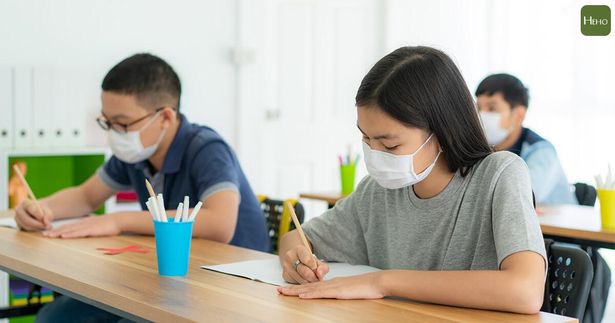 20210517-疫情-防疫-學生-教室-上課-學校-口罩-考試